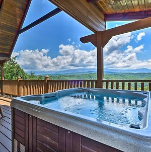Lavish Sevierville Cabin With Games & Stunning View! photos Exterior