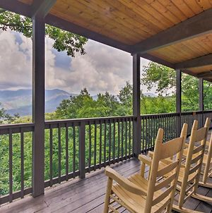Chateau Sur Lamont Gatlinburg Cabin With Hot Tub! photos Exterior