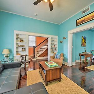 Renovated Galveston Home With Yard 3 Blocks To Beach! photos Exterior