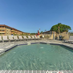 Hilton Head Condo With On-Site Pool, Bars And Bikes! photos Exterior