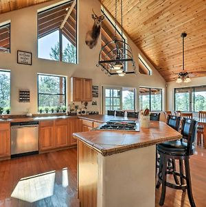 Upscale Cabin Living - Golf, Fish, & Hike Show Low! photos Exterior