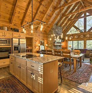 Upscale Sevierville Cabin With Deck, Hot Tub And Games! photos Exterior
