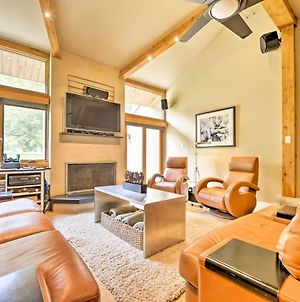 Luxe Park City Condo With Pool & Hot Tub - Mins To Ski photos Exterior