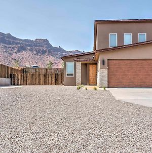 Modern Moab Townhome With Private Hot Tub And Patio! photos Exterior
