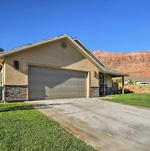 Luxury Moab Home With Mtn Views And Pool Access! photos Exterior