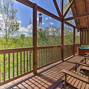 Pigeon Forge Family Cabin With Resort Pool And Hot Tub photos Exterior