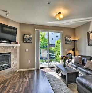 Modern Vancouver Townhome - Right On Main St! photos Exterior