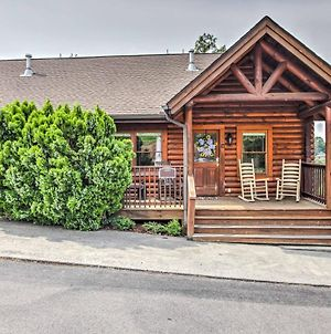 'Easy Life' Pigeon Forge Home With Views And Hot Tub! photos Exterior