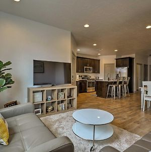 Washington Townhome With Views And Pool Access! photos Exterior