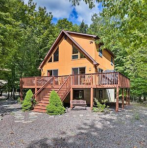 Lake Ariel Cabin With Deck - Lake, Pool And Ski Access! photos Exterior