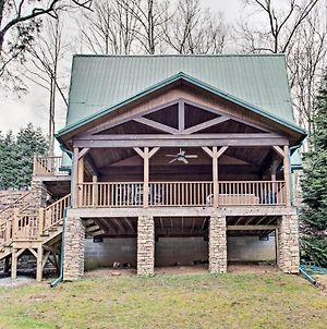 Cabin With Game Room And Hot Tub Mins To Hendersonville photos Exterior