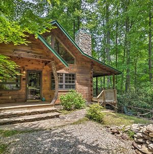 Storybook Bryson City Cabin On Stream - With Hot Tub! photos Exterior