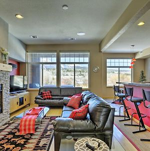 Modern Silverthorne Townhome With Hot Tub & Mtn Views photos Exterior
