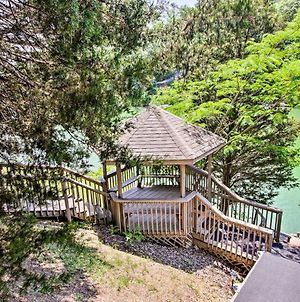 Sevierville Family Cabin On Lake With Hot Tub & Games photos Exterior