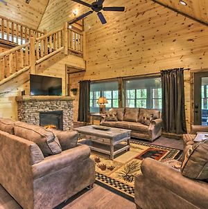 Luxe Smoky Mtn Cabin With Game Room, Hot Tub And Pool! photos Exterior