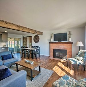 Family Home With Sunroom And Hot Tub, 12Mi To Lancaster photos Exterior