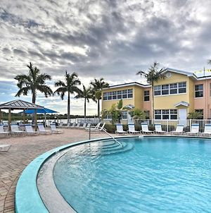 Intracoastal Escape With Views, Across From Water! photos Exterior