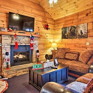 Cabin With Hot Tub Btwn Pigeon Forge And Gatlinburg! photos Exterior
