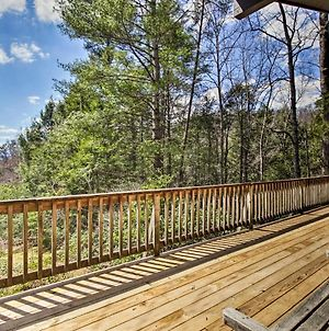 Secluded Mtn-View Cabin With Deck, 2Mi To Gatlinburg photos Exterior
