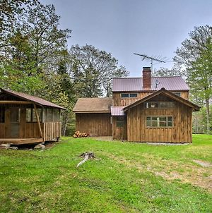 Boothbay Harbor Cabin With Spacious Deck And Yard! photos Exterior