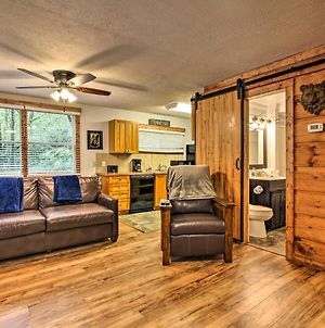 Rustic Cabin With Hot Tub And Deck About 10 Mi To Dollywood photos Exterior