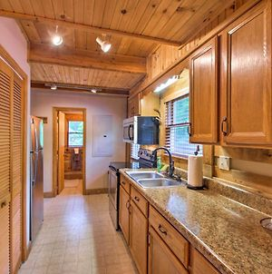 Cozy Fleetwood Cabin Near Hiking And Fishing! photos Exterior