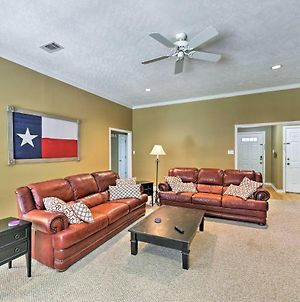 College Station Home With Yard - 5 Mins To Aandm! photos Exterior