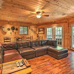 Chalet With Hot Tub And Rustic Charm 2 Mi To Downtown photos Exterior