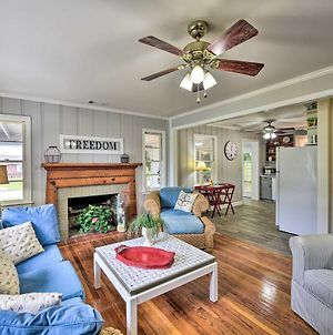 Beaufort Home With Porch, 4 Mi From Downtown! photos Exterior