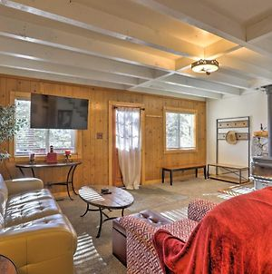 Idyllic Cabin With Hot Tub, Patio 1Mi To Squaw Valley photos Exterior