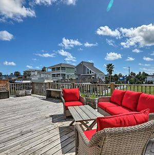Canalfront Home With Boat Lift Less Than 1 Mi To Beach! photos Exterior