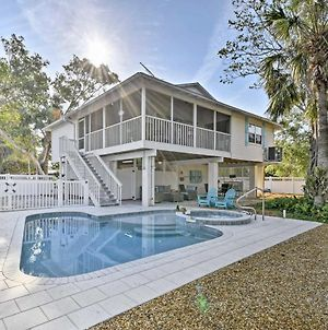 Canalfront Anna Maria Cottage With Pool And Hot Tub! photos Exterior