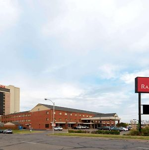 Ramada Hotel & Convention Center By Wyndham Topeka Downtown photos Exterior