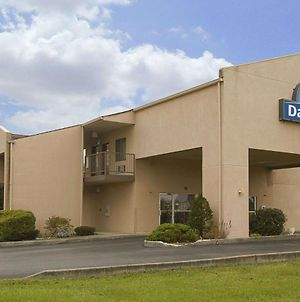 Days Inn By Wyndham Morehead photos Exterior