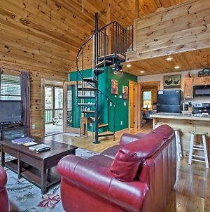 Trot Inn Bryson City Cabin With Hot Tub And Fire Pit! photos Exterior