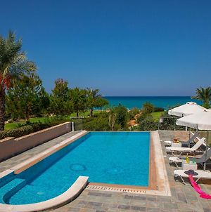 Galene Beachfront Villa photos Exterior