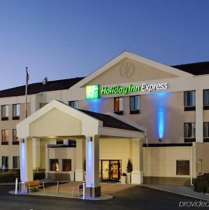 Holiday Inn Express Metropolis, An Ihg Hotel photos Exterior
