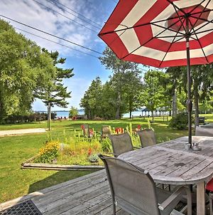 Lakefront 'Manitou Cottage' Near Dwtn Suttons Bay! photos Exterior