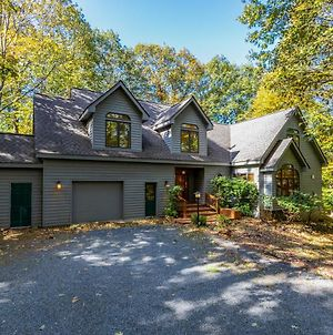 Luxury Custom Home In Wintergreen Resort Area! photos Exterior