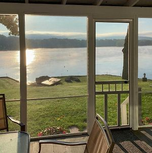Lakefront Home - Paddleboards, Kayaks, Firepit, Etc photos Exterior