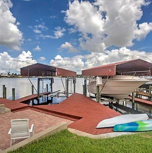 Lakefront Gulf Breeze Villa With Dock & Private Pool photos Exterior