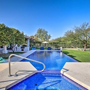 Lavish Paradise Valley Home With Sports Court & Pool photos Exterior