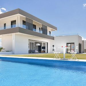 Stavros Villa Sleeps 10 With Pool Air Con And Wifi photos Exterior