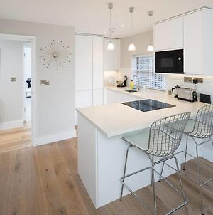 Modern 2Bed In West Hampstead W Balcony & Parking photos Exterior