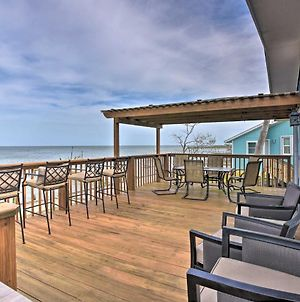 Bayfront Rockport Home With Private Fishing Pier photos Exterior
