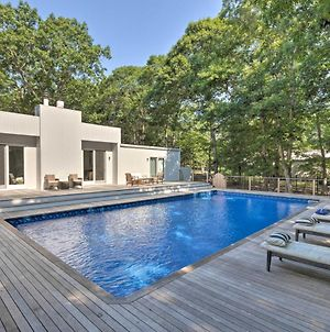 Hamptons Home With Heated Pool - Walk To Beach! photos Exterior