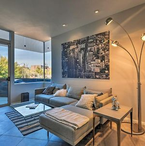 Chic Upscale Condo With Deck In Old Town Scottsdale! photos Exterior