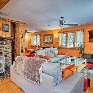 Vermont Getaway With Deck - 6 Miles To Mt Snow! photos Exterior