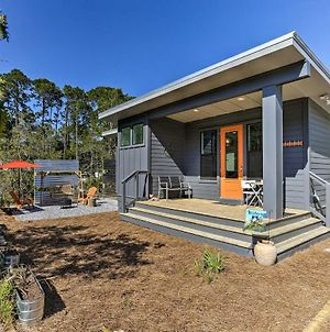 Mid-Century Modern Beach Cottage For Two! photos Exterior