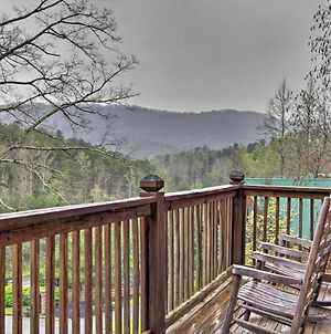 Sherwood Forest Cabin With Hot Tub, 5 Mi To Dollywood photos Exterior
